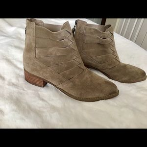Volatile blix ankle booties